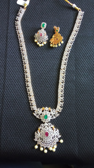 Picture of Diamond finishing long haram with earrings