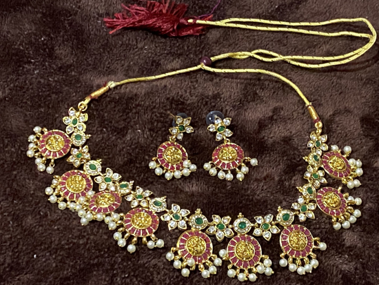 Picture of Lakshmi necklace set with earrings