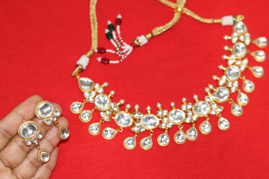 Picture of Kundan neck set made with brass