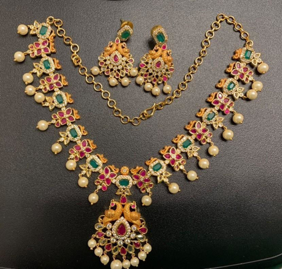 Picture of Beautiful Necklace Set