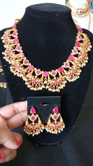 Picture of Matte finishing necklace